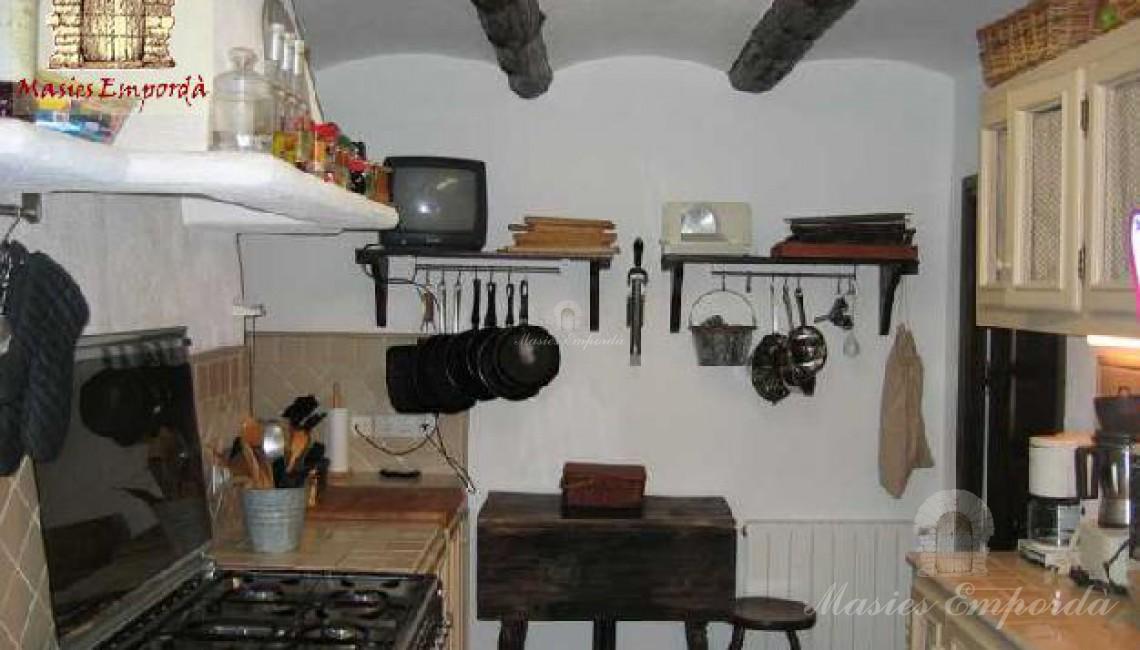 Otro ángulo de la cocina de la casa