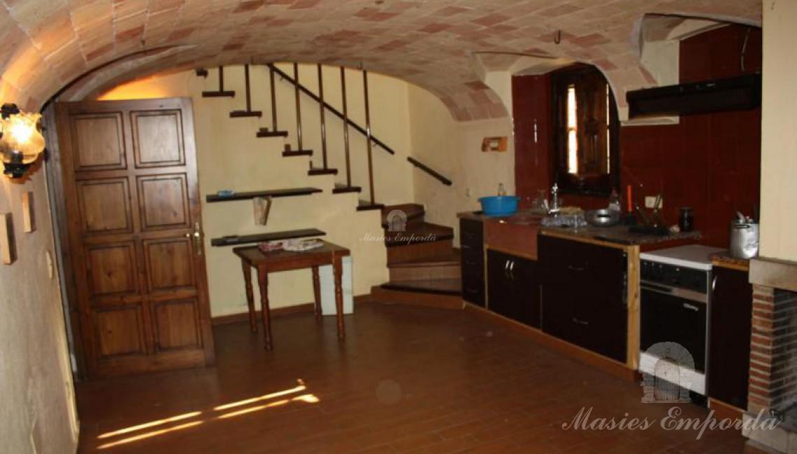 Cocina de la casa con techo abovedado