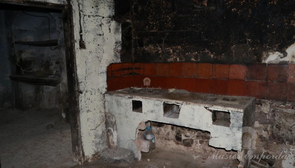 Cuina de carbó antiga