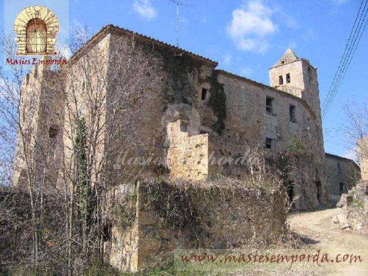 Vista del castillo y anexos del patio interior del castillo