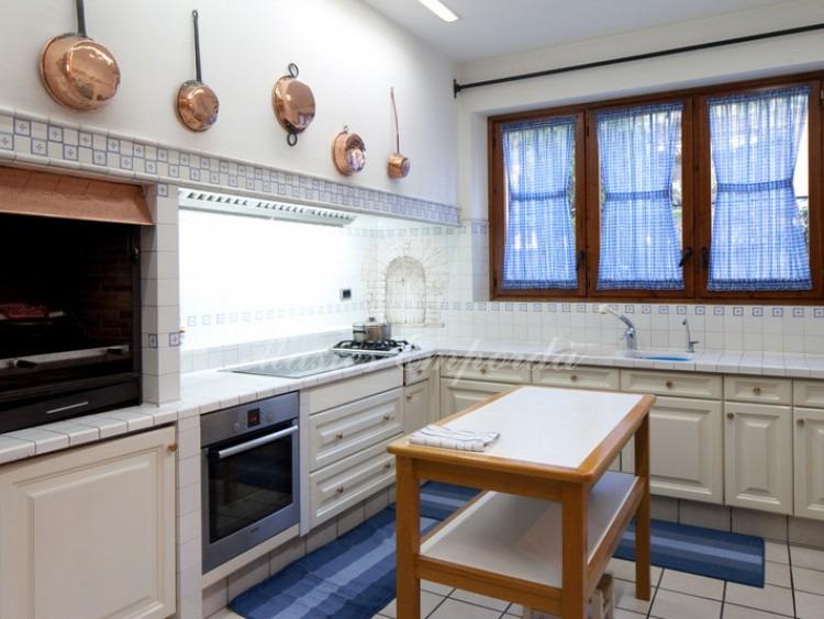 Cocina nuevas de la propiedad de la casa