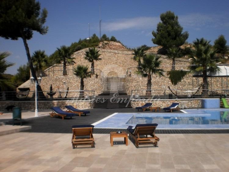 Vista general de la zona de la piscina