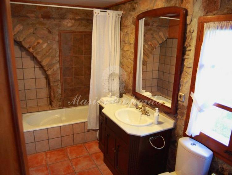 Unas de los baños de la casa