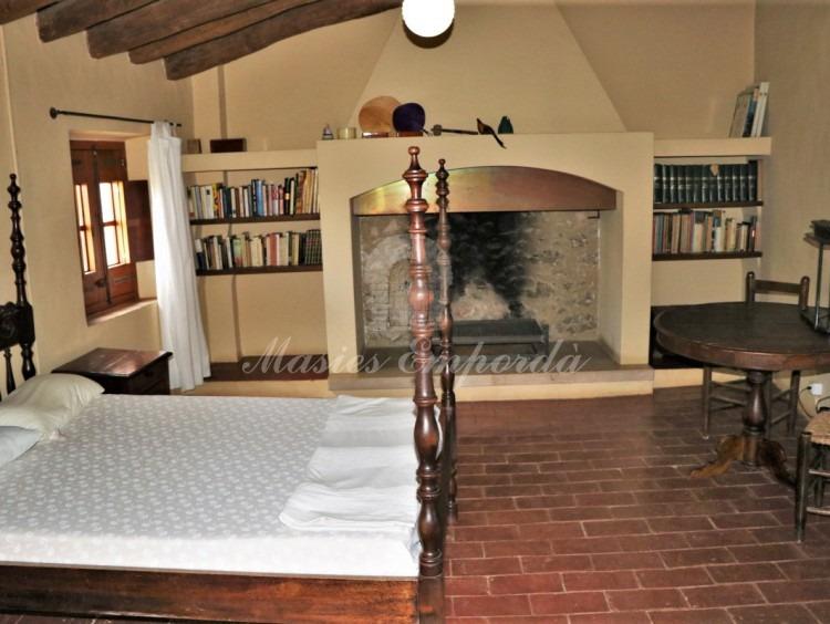 Una de les habitacions amb llar de foc