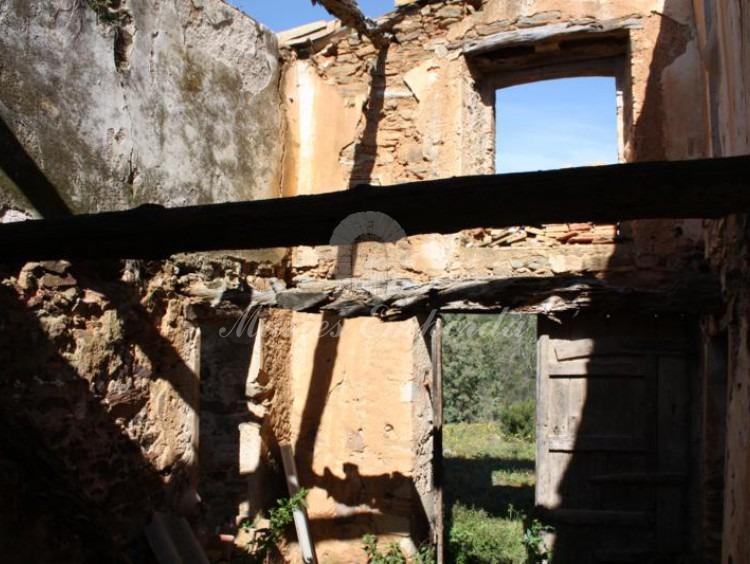 Detall d'una construcció annexos del mas